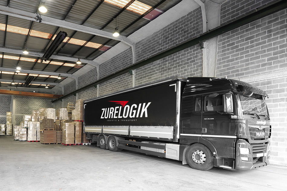 Disponemos de camiones lona, semi-tauliner y tauliner, con plataforma elevadora trasera